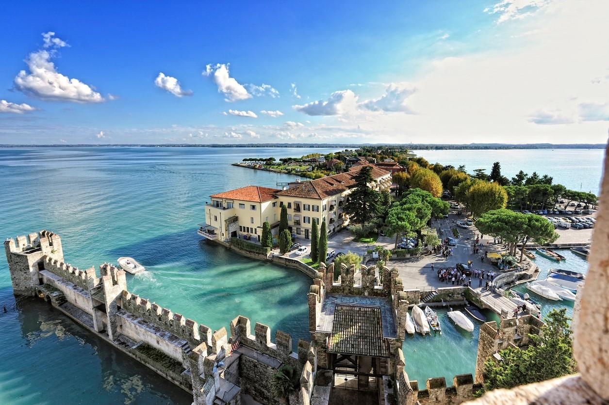 Cosa vedere sul lago di garda 50 luoghi di interesse e posti da visitare - Laghi dove fare il bagno veneto ...
