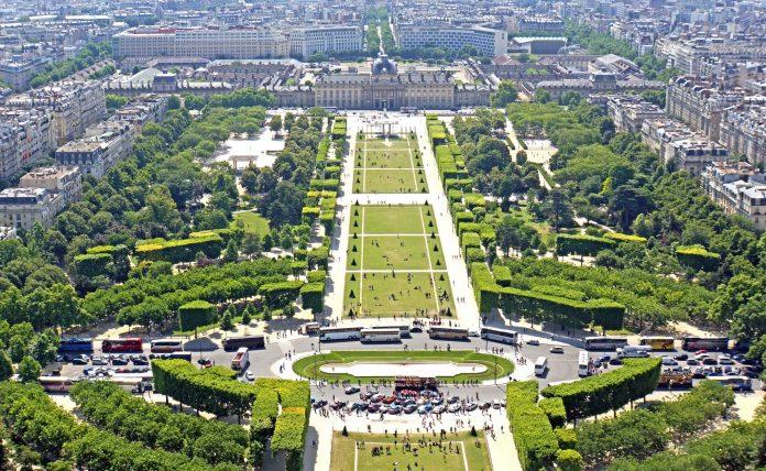 Parigi Champ de Mars