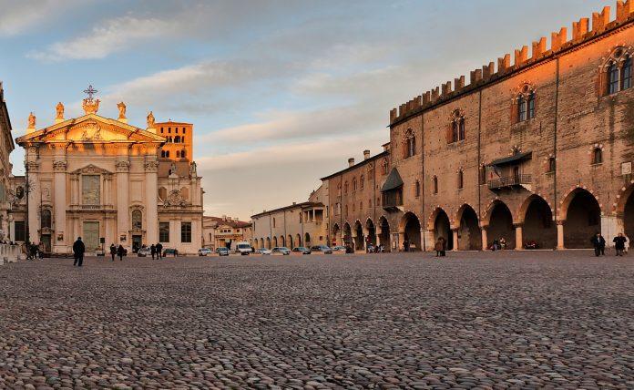 Mantova Piazza Sordello