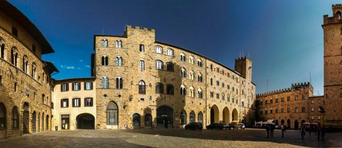 Volterra Piazza dei Priori
