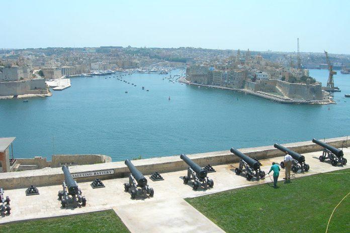 Malta La Valletta Upper Barakka Gardens