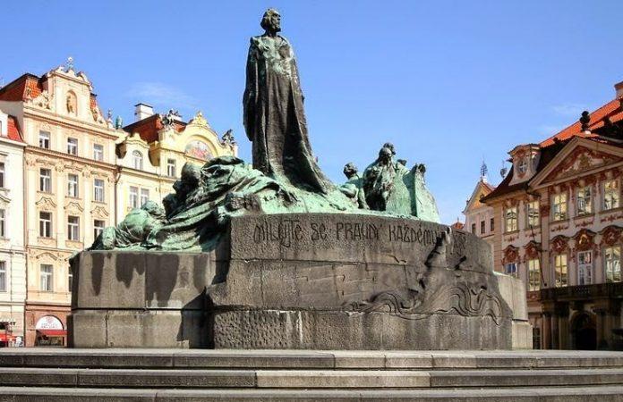 Praga Statua Jan Hus