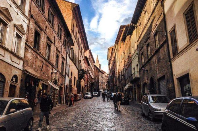 Urbino Via Mazzini