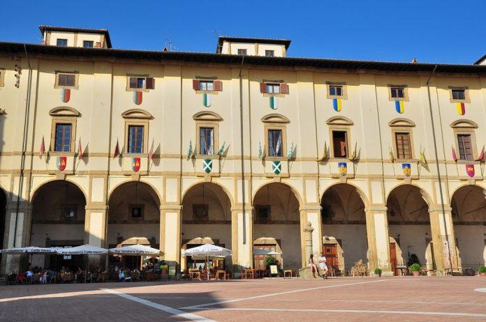 Arezzo Palazzo delle Logge
