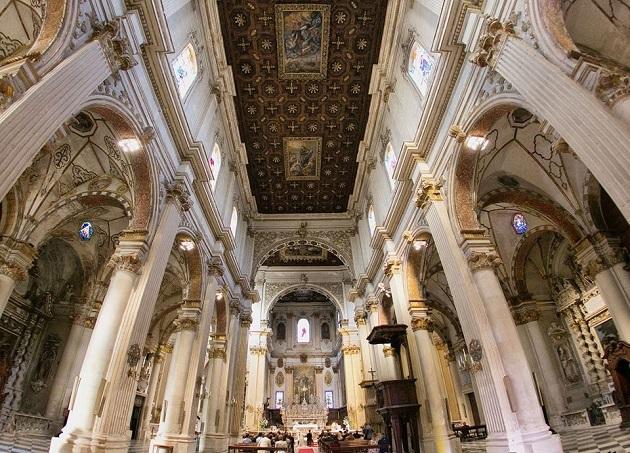 Lecce Duomo Interno