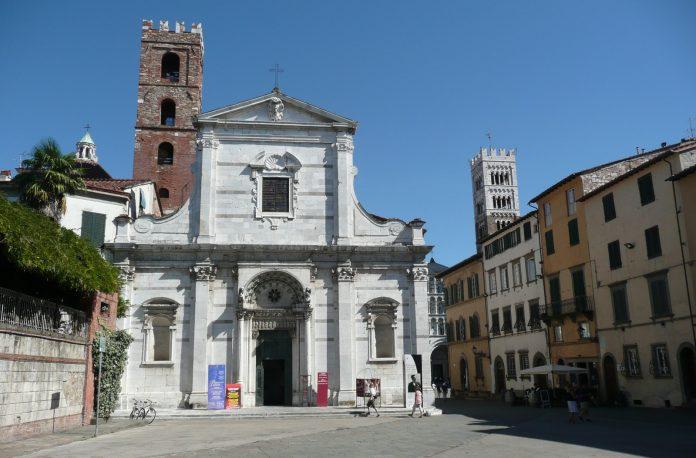 08 Lucca Chiesa San Giovanni.jpg