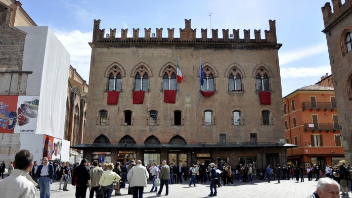 Bologna Palazzo dei Notai