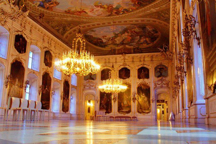 Innsbruck Hofburg Sala dei giganti