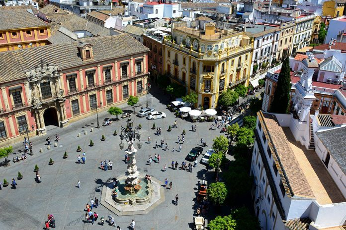 Siviglia Plaza de la Virgen de los Reyes