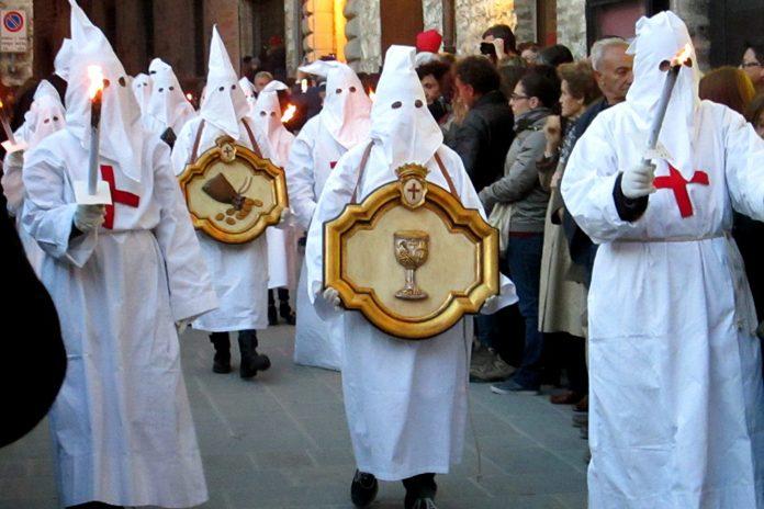 Gubbio Processione Cristo Morto