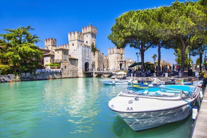 Sirmione Castello porto