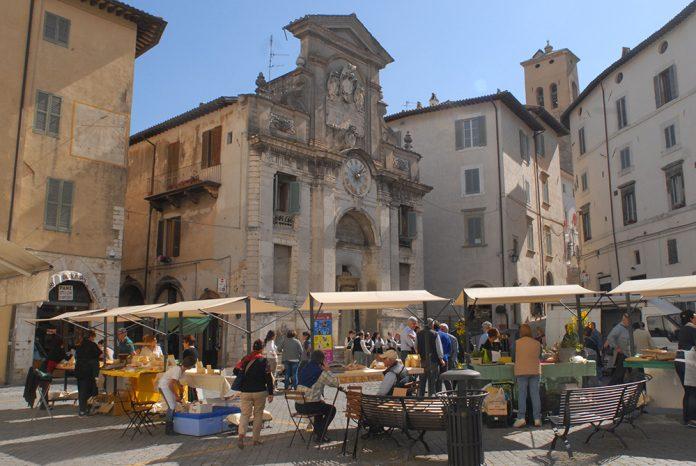 Spoleto Piazza del Mercato