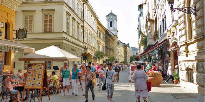 Budapest Via Vàci