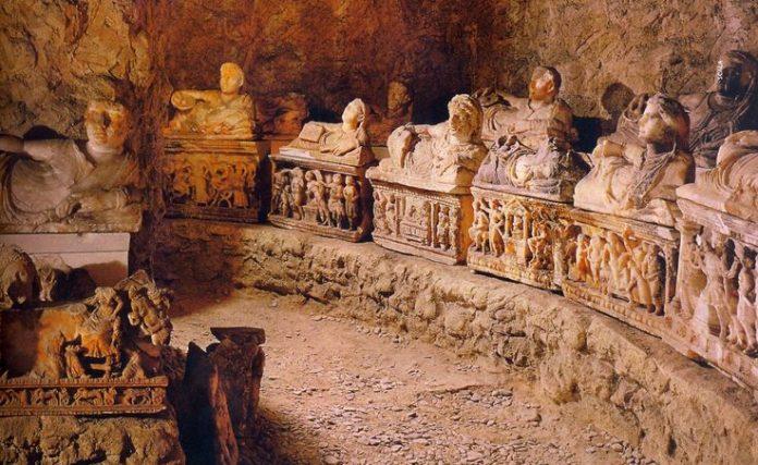 Volterra Tombe Etrusche