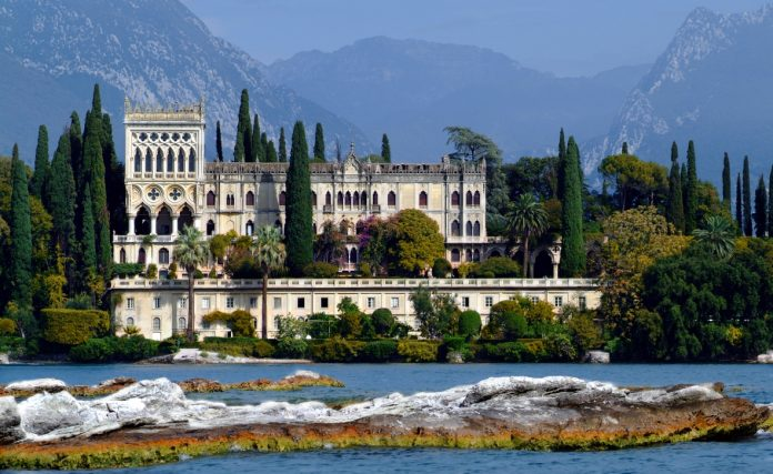 Isola di Garda Villa De Ferrari