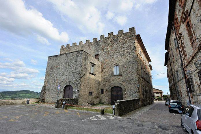 Monte Santa Maria Tiberina Castello Boncompagni