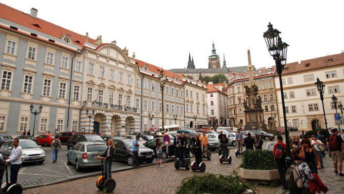 Praga Piazza Mala Strana