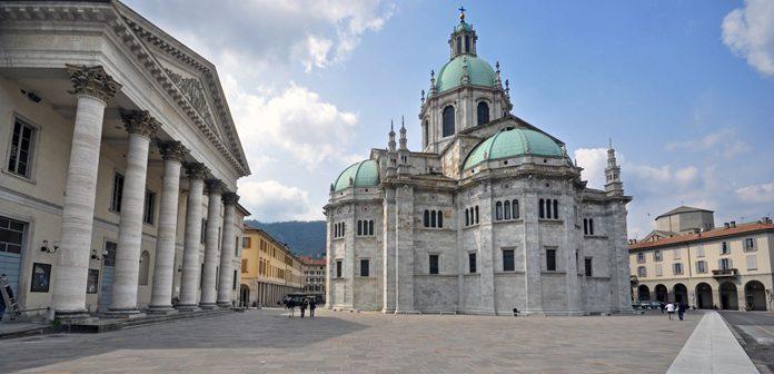 Como Piazza del Duomo