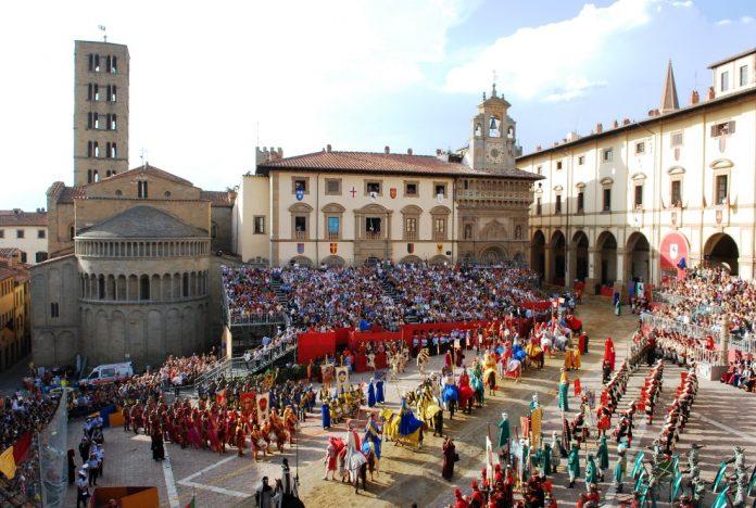 Arezzo Piazza Grande Giostra Saracino
