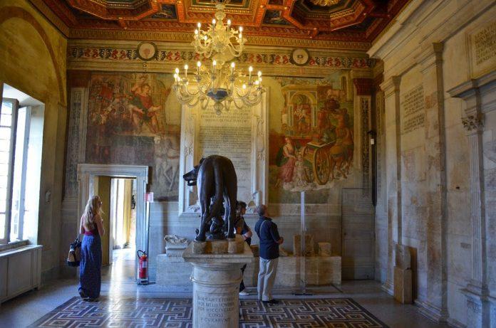 Roma Musei Capitolini Sala della Lupa