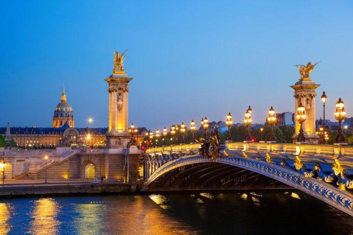 Parigi Ponte Alessandro III