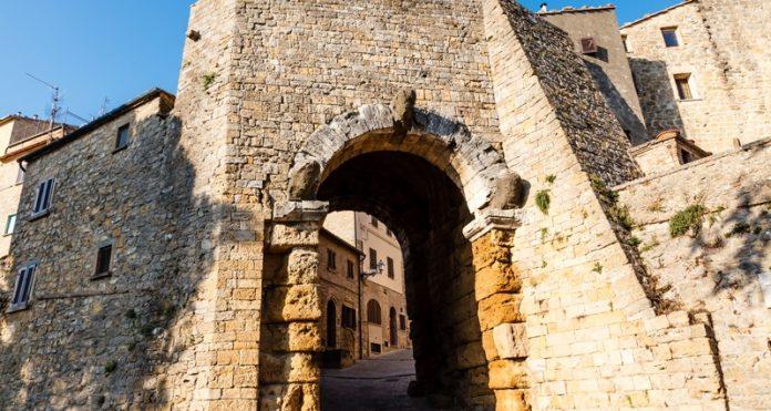 Volterra Porta dell'Arco