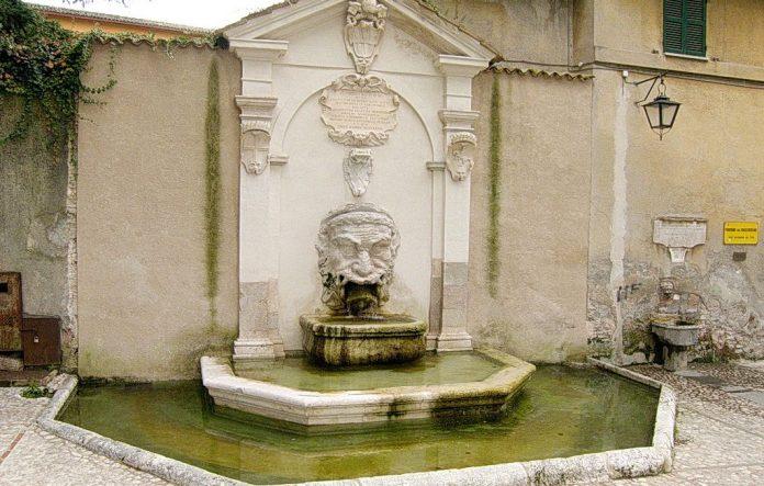 Spoleto Fontana del Mascherone