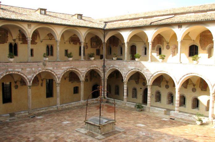 Assisi Loggia dei Maestri Comacini