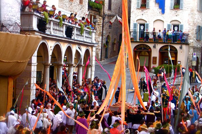 Assisi Calendimaggio