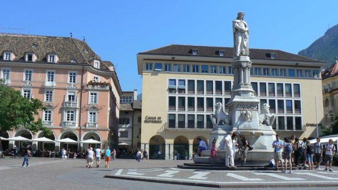 Bolzano Piazza Stazione
