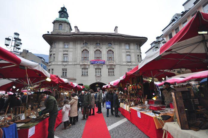 Bolzano Piazza del Municipio