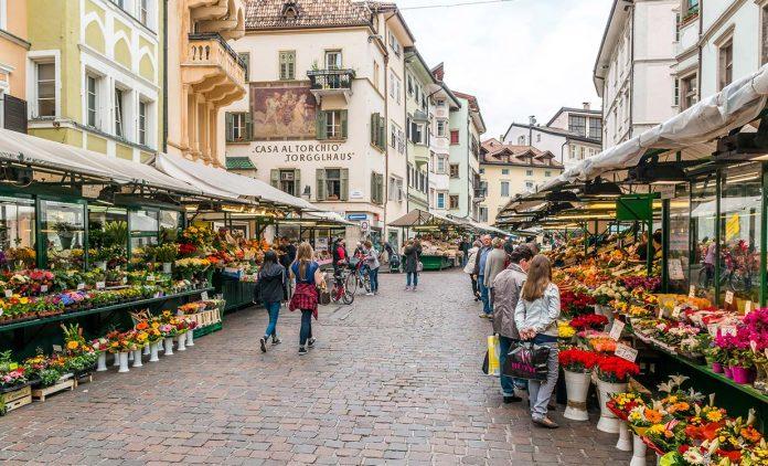 Bolzano Piazza delle Erbe