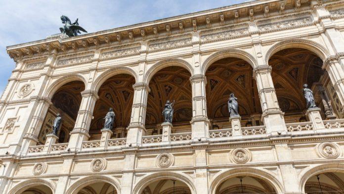 Burgtheater Opera Vienna cosa visitare