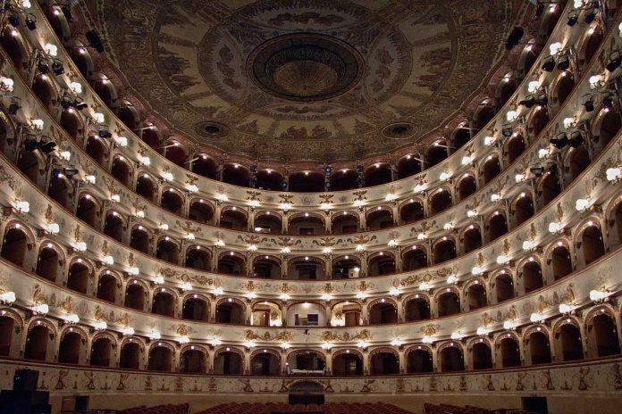 Ferrara Teatro Comunale