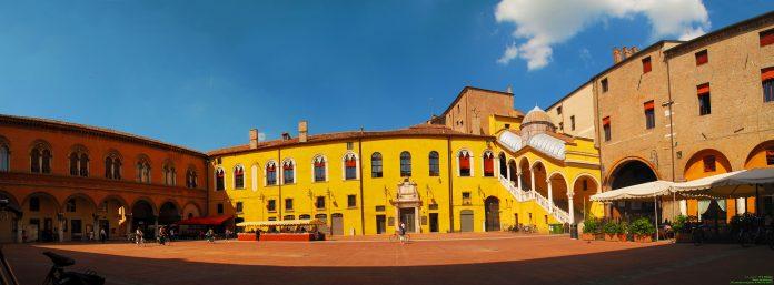 Ferrara Piazza Municipio