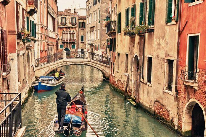 Venezia Canali Gondola
