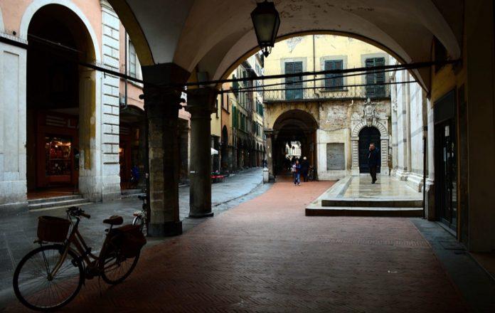 Portici Pisa Borgo Stretto