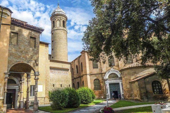 Ravenna Basilica San Vitale Esterno