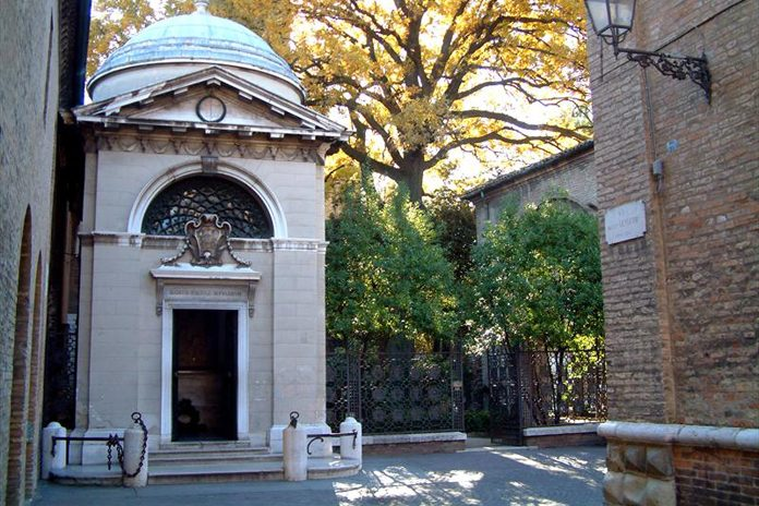 Ravenna Tomba di Dante