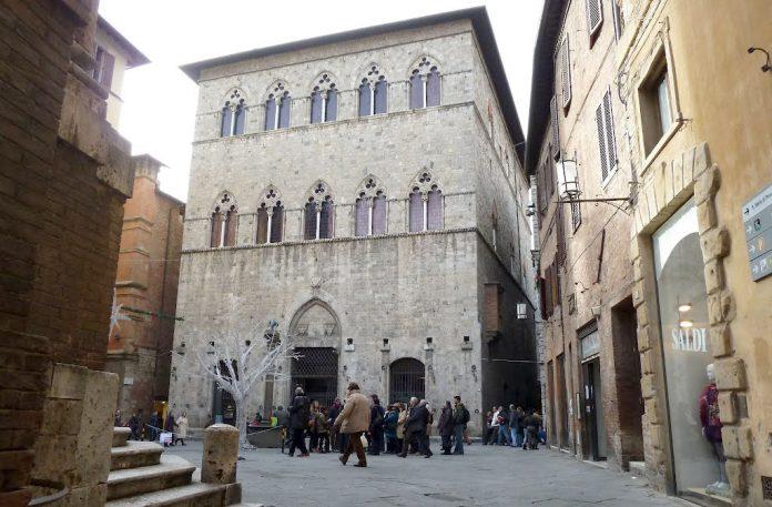 Siena Palazzo Tolomei