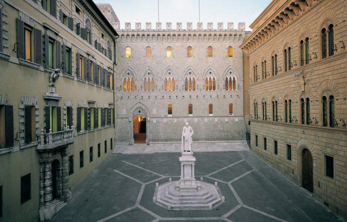 Siena Palazzo Salimbeni
