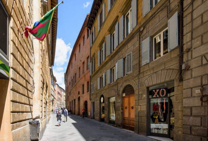 Siena Via Montanini