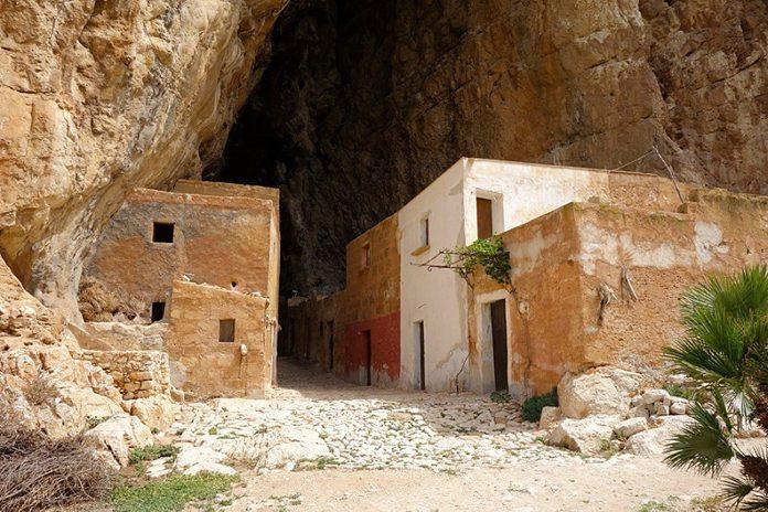 Scurati Grotta Mangiapane