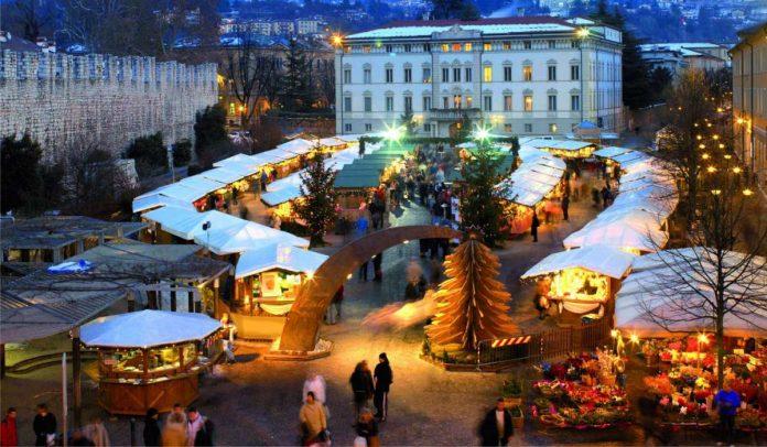Trento Piazza Fiere Mercatino